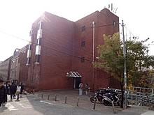 02Đến thăm đại học Hongik