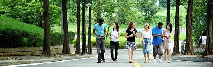 Cùng Line khám phá viện ngôn ngữ quốc tế đại học Hongik