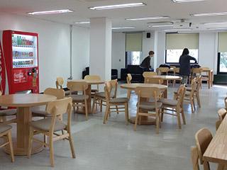36Đến thăm đại học Hongik_2