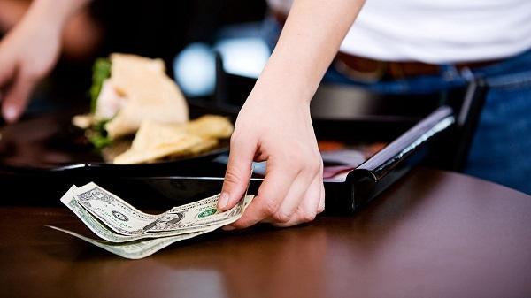 """Kết quả hình ảnh cho Không """"tip"""" thêm tiền sau khi sử dụng dịch vụ trong các quán ăn hàn quốc"""