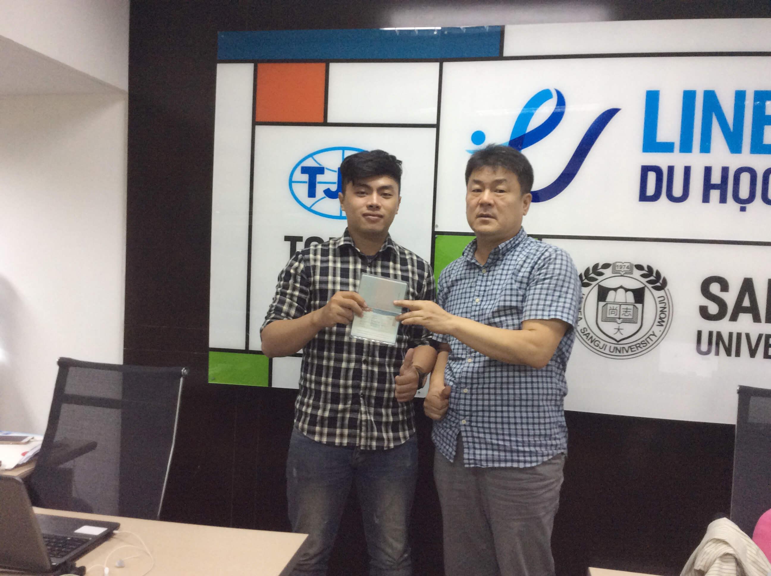 Chúc mừng học sinh của Line nhận visa thẳng từ đại học Sogang