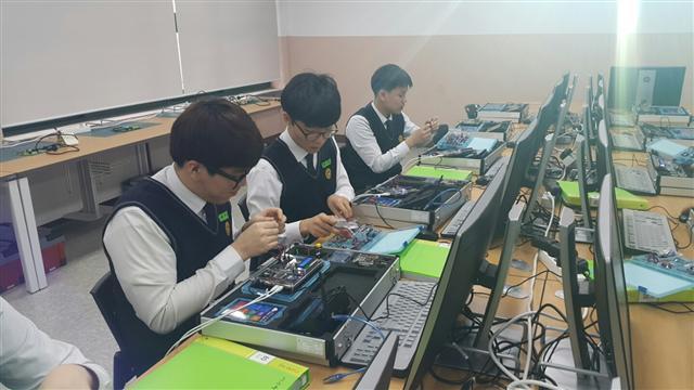 Du học nghề Hàn Quốc: Lưu ý về điều kiện ngoại ngữ?