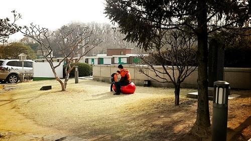 Đi mua sắm xung quanh trường đại học Sungkyunkwan như thế nào